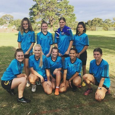 girls' touch football